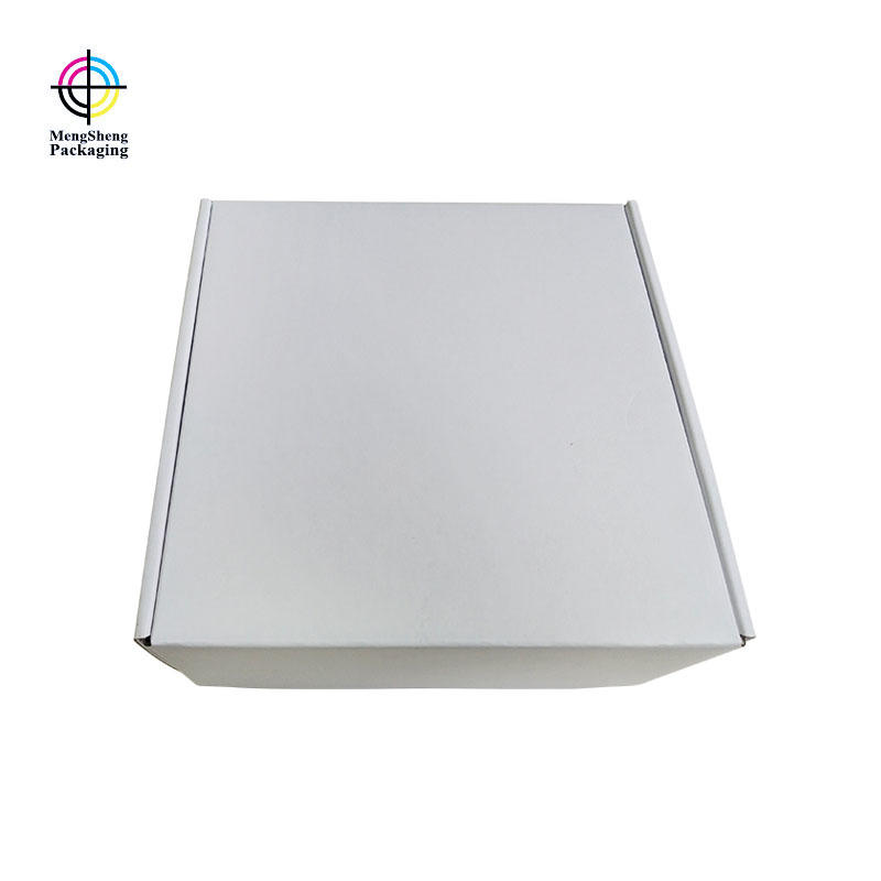 Garment box packaging in white color corrugated for shipping