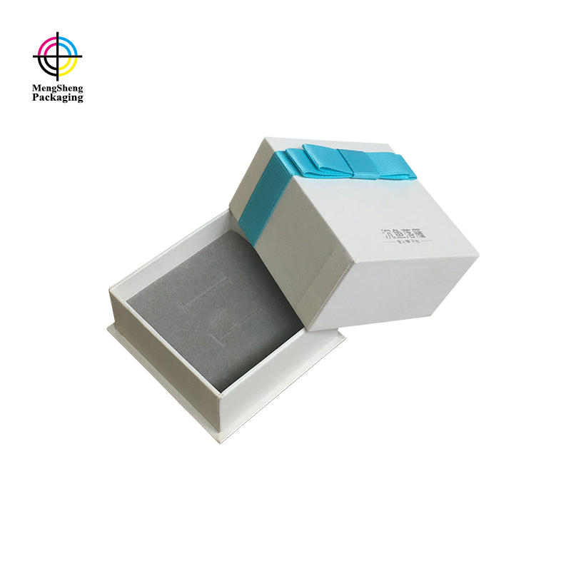 Custom White Lid And Base Gift Cardboard Boxes With Lids With Ribbon And Foam Insert